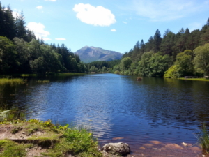 Sgorr_Bhan_and_Dhearg_from_Lochan_near_Glencoe